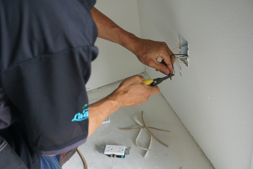 Electrical outlet installation, service, and repair in Hilo, Hawaii